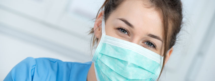 health care worker wearing a mask
